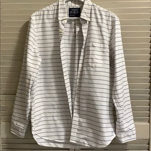 American Eagle Outfitters White w/ blue Pin Stripe